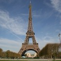 Picture taken by Edisonblus in 2009 of the Eiffel Tower in Paris.