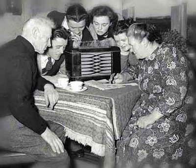 Large_old-time-radio