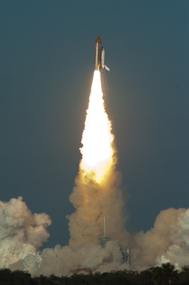 Large_nasa_space_shuttle_feb_2011