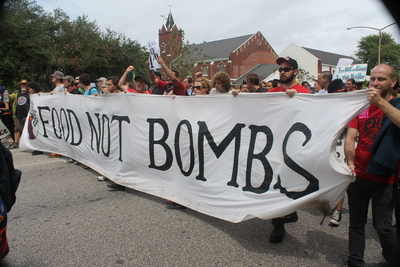 Large_food_not_bombs_img_7348