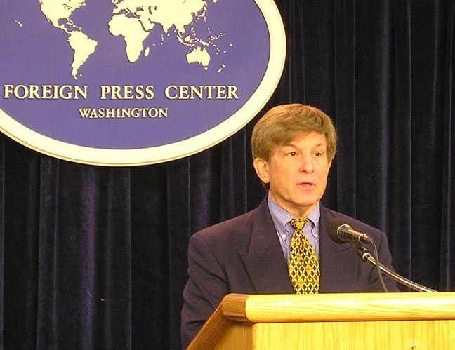 """Allan J. Lichtman, Professor and Chair, Department of History, American University, at the Washington Foreign Press Center Briefing on """"Election Eve: Overview of the 2008 Presidential Election."""""""