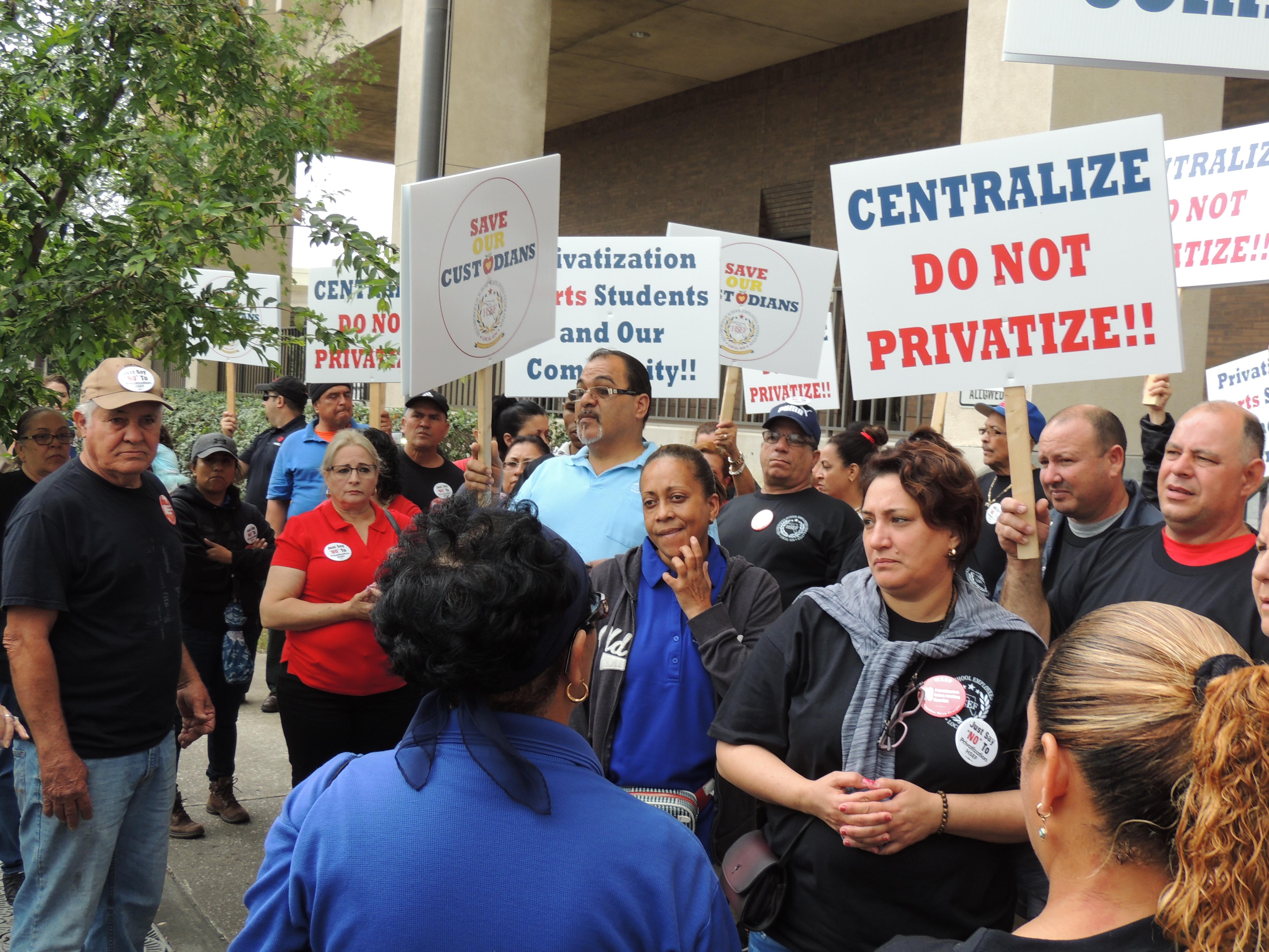 Centralize. Do Not Privatize sign