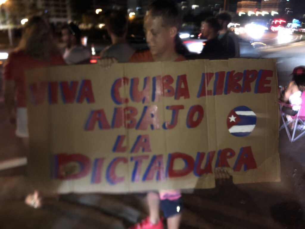 Cuban protest SRQ